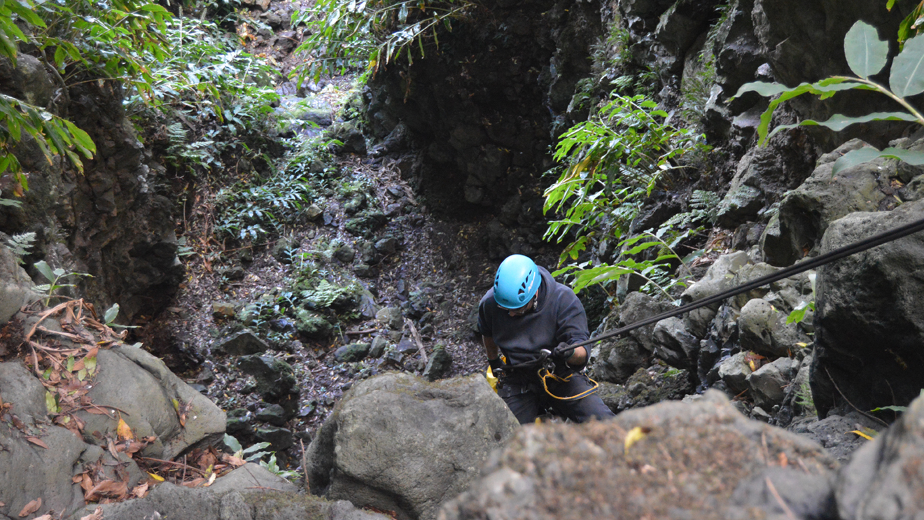 dry-canyoning (2).jpg