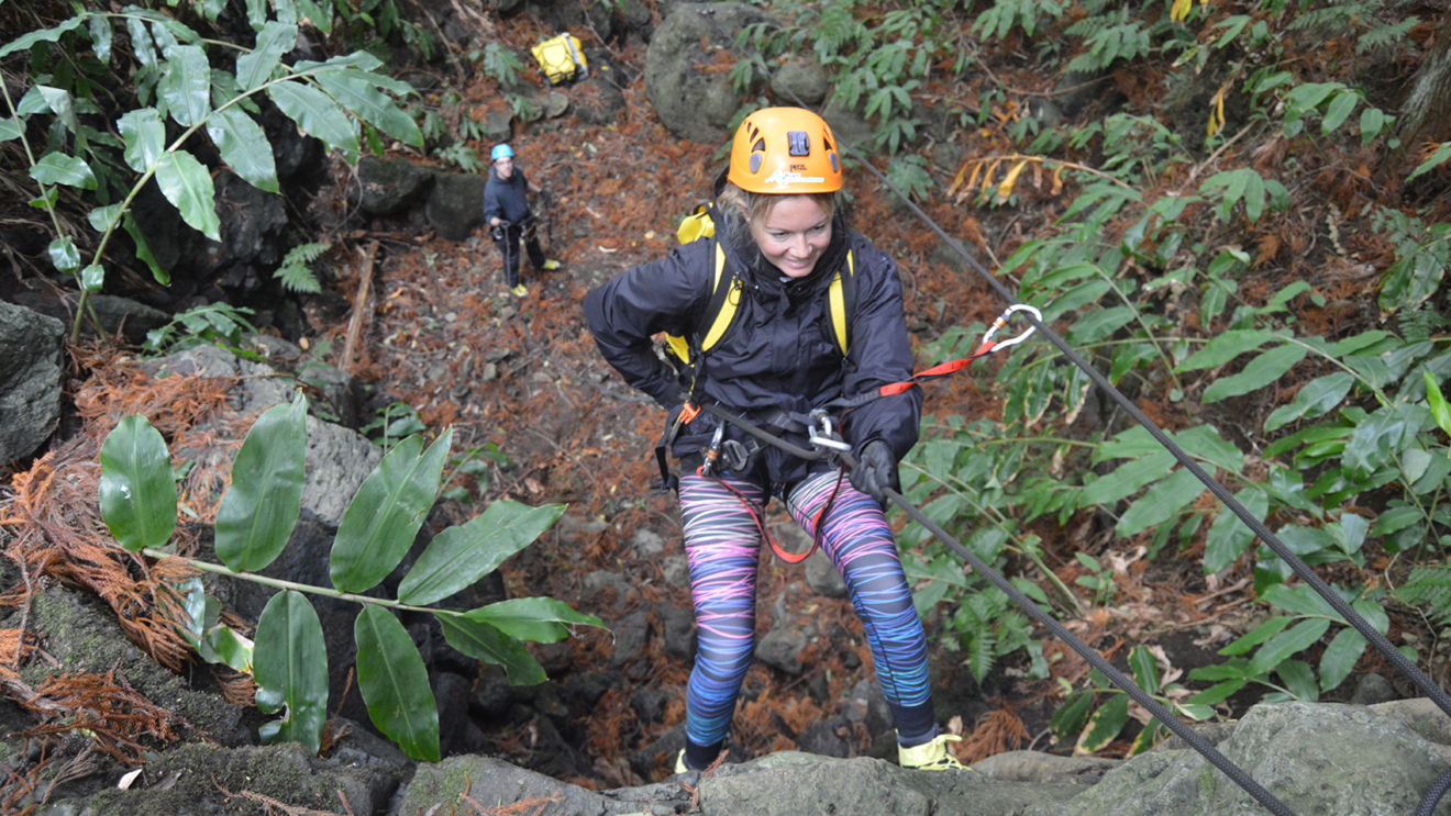 dry-canyoning (6).jpg