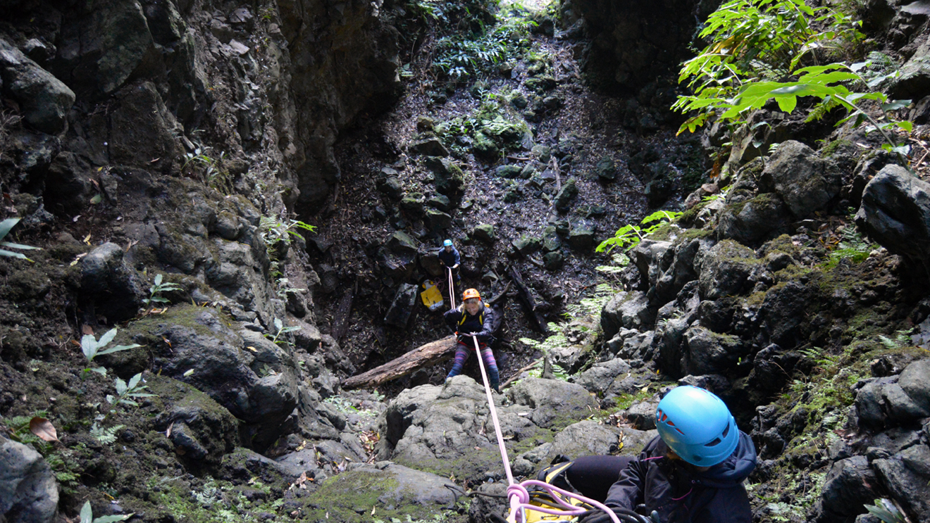 dry-canyoning (8).jpg